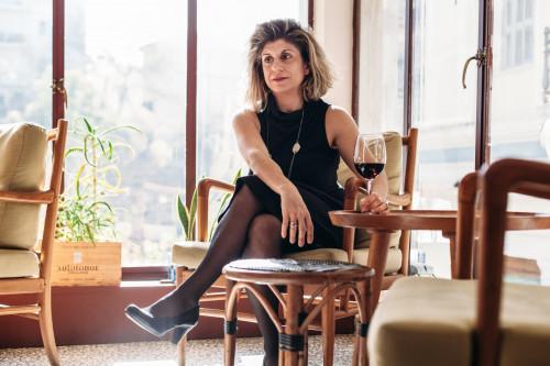 Μια ελληνίδα προωθεί το ελληνικό κρασί στην Αμερική (και τα καταφέρνει!)
