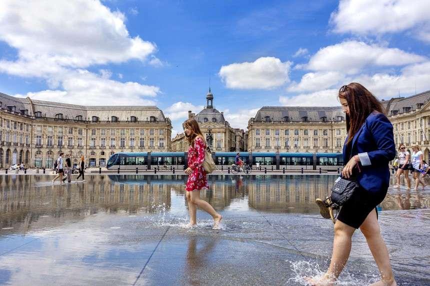 Μικρός οδηγός για το Bordeaux, την πόλη του κρασιού και της χαράς