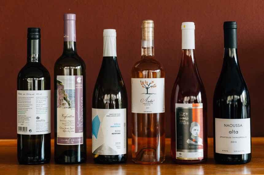 6 κρασιά που δοκιμάσαμε φέτος το καλοκαίρι